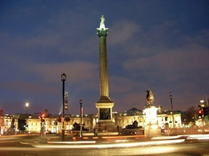 Trafalgar_Square_at_night_2 (1)