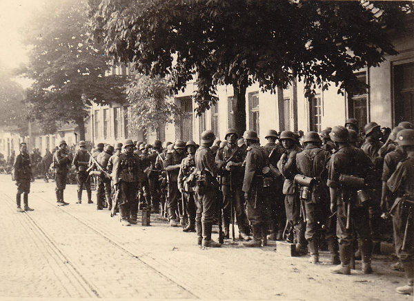 Nachtigall Battalion outside of Lwów, 30 June 1941