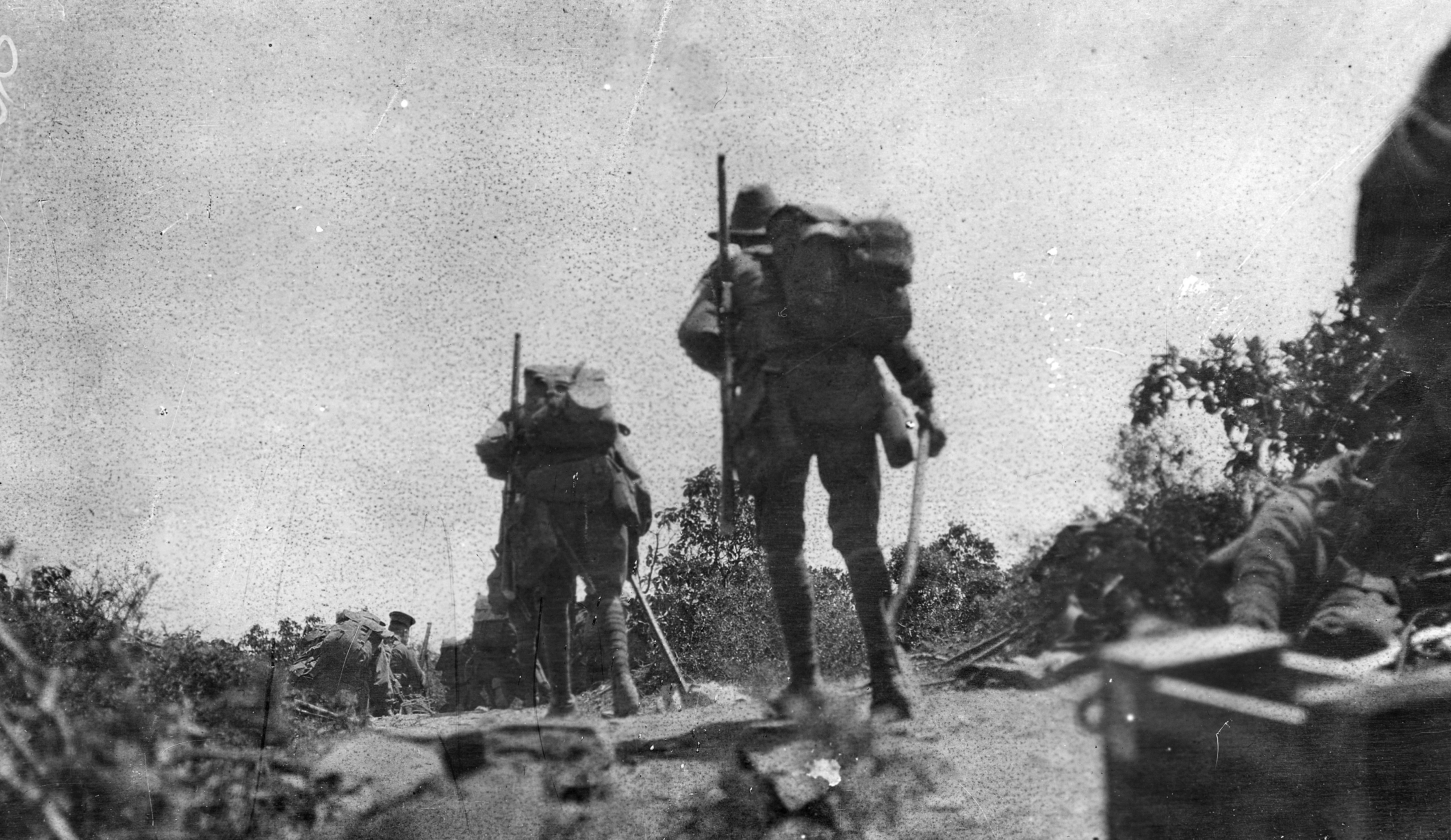 How did the Gallipoli campaign change Australia's experience of war and build a national identity?
